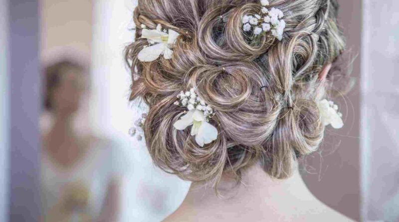 Perfect Flowers for Bridal Hairstyle